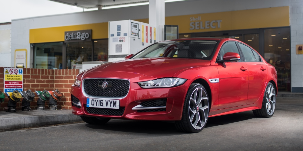 Jaguar and Shell launch in-car payment system. Photo by: Jaguar Land Rover