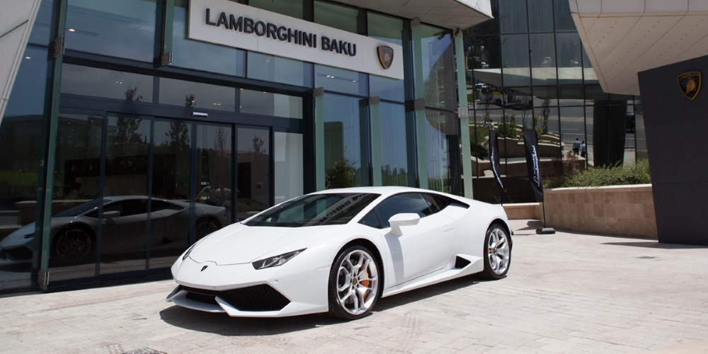 Lamborghini Baku, Azerbaijan. Photo by: Automobili Lamborghini