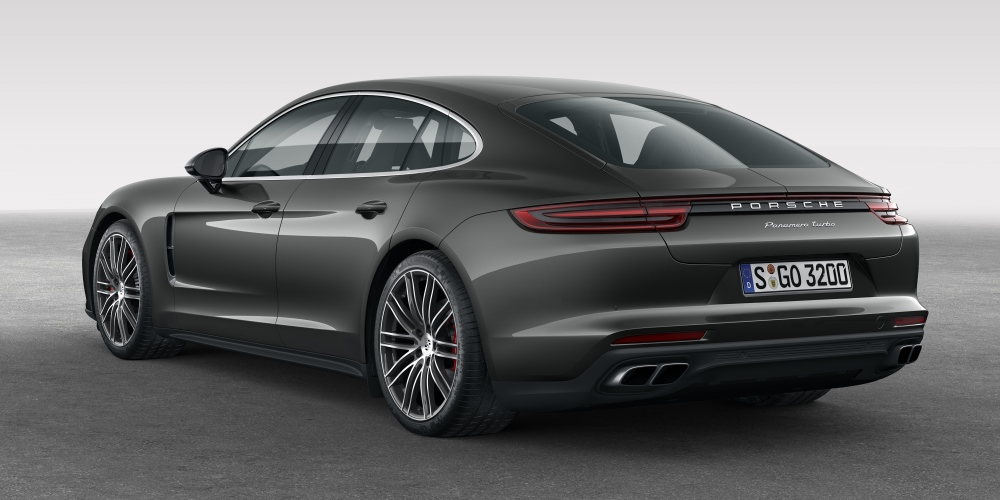 Porsche Panamera - The sports car among luxury saloons. Photo by: Porsche AG
