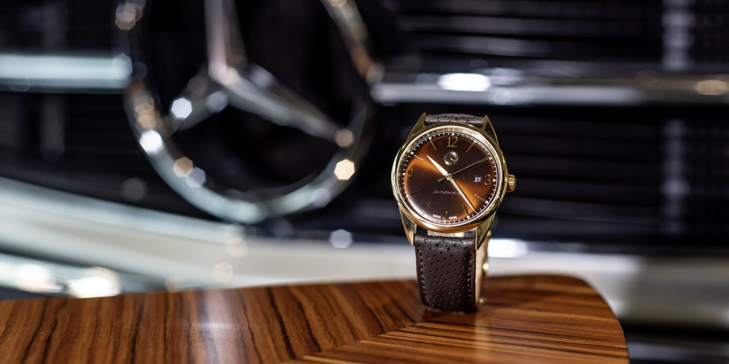 Mercedes-Benz Design philosophy on the wrist. Photo by: Daimler AG