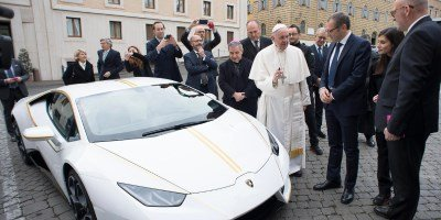 Pope Francis's Lamborghini Huracán is sold